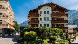 Haus Alpenglück, Apartmanok  Saas-Fee - big - 19