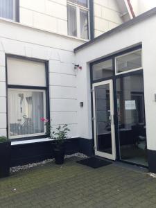 Hotel Restaurant Rodenbach, Отели  Энсхеде - big - 19