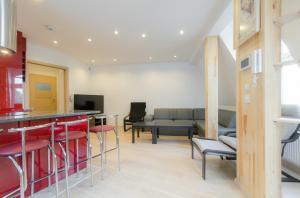 Dom & House - Apartamenty Monte Cassino, Apartmanok  Sopot - big - 17