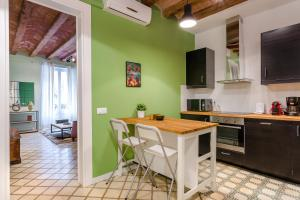 Three-Bedroom Apartment - Compte Borrell, 51