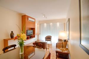 Luxurious Three-Bedroom Apartment