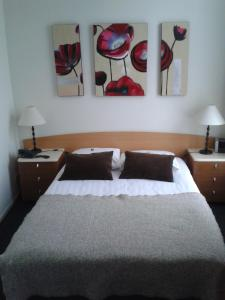 Hotel Restaurant Rodenbach, Hotels  Enschede - big - 2