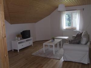 Apartment Sendraž