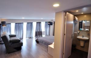 Hotel Tbilisi Apart, Aparthotels  Tbilisi City - big - 34