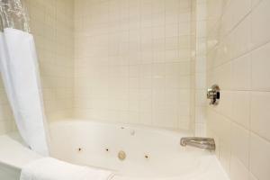 Kamer met 2 Queensize Bedden en Spabad - Rookvrij