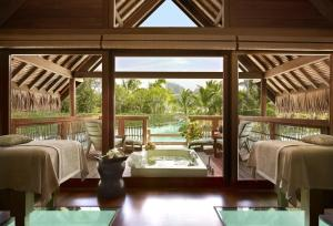 Four Seasons Resort Bora Bora, Resort  Bora Bora - big - 36
