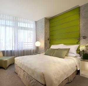 Superior Queen or Twin Room with City View