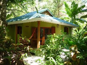 Deluxe bungalow 1 bedroom kitchen