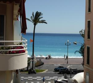 Nice Centre - Apartment with balcony and stunning sea view!, Apartmanok  Nizza - big - 1