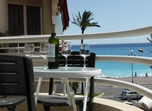 Nice Centre - Apartment with balcony and stunning sea view!, Apartmanok  Nizza - big - 16