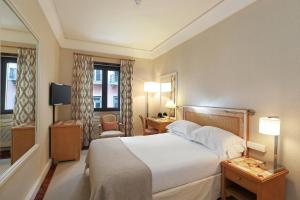 Petite Double or Twin Room