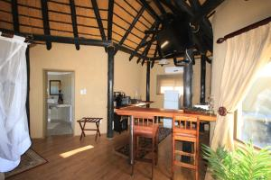 Lapa Lange Game Lodge, Лоджи  Mariental - big - 13