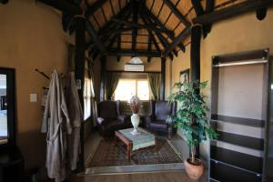 Lapa Lange Game Lodge, Лоджи  Mariental - big - 10