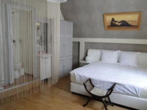B&B La Villa Zarin, Bed and Breakfasts  Brusel - big - 6