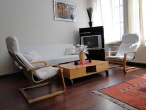 B&B La Villa Zarin, Bed and Breakfasts  Brusel - big - 3