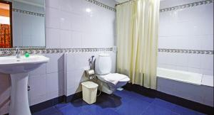 Abad Metro, Hotels  Cochin - big - 6