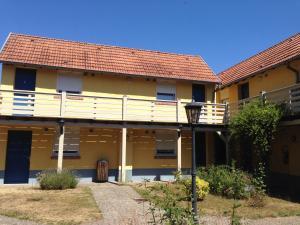 Le Relais De Wasselonne & Spa, Residence  Wasselonne - big - 37