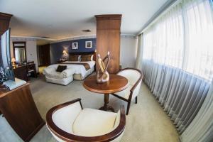 Hotel Emperador, Hotel  Ambato - big - 12