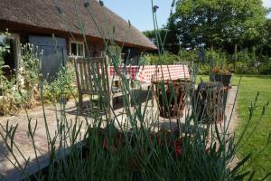 Vakantiehuis Onder De Appelboom, Дома для отпуска  Далфсен - big - 5