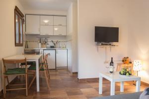 Olive Apartment, Apartments  Kotor - big - 16
