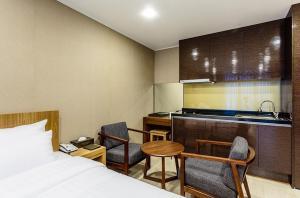 Rich Hotel, Отели  Чеджу - big - 50