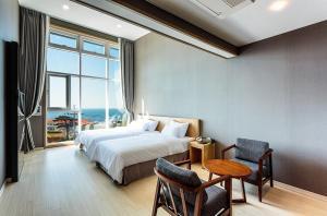 Rich Hotel, Отели  Чеджу - big - 11