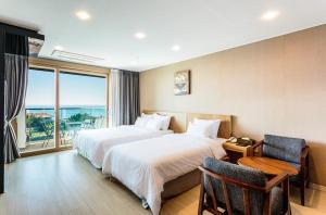 Rich Hotel, Отели  Чеджу - big - 19