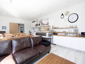 Kef Guesthouse at Grænásvegur, Bed and breakfasts  Keflavík - big - 36