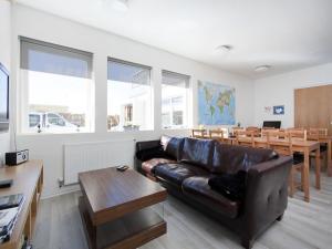 Kef Guesthouse at Grænásvegur, Bed and breakfasts  Keflavík - big - 37
