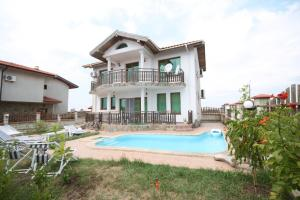 Villas Arendoo with Private Pool