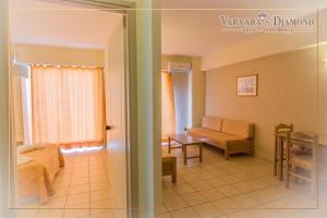 Varvaras Diamond Hotel, Apartmánové hotely  Platanes - big - 11