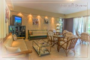 Varvaras Diamond Hotel, Aparthotels  Platanes - big - 28