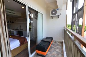 Student Park Hotel Apartment, Апарт-отели  Джокьякарта - big - 11