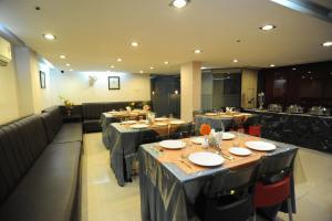 Hotel Lee International, Hotels  Kalkutta - big - 22