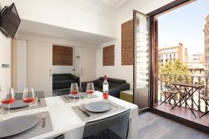 Six-Bedroom Apartment with Private Terrace