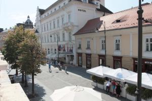 City Spirit Sibiu, Apartmanok  Nagyszeben - big - 6