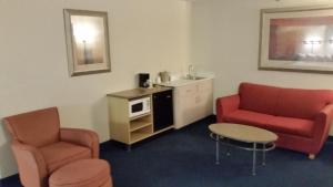 King Suite with Sofa Bed- Non-Smoking