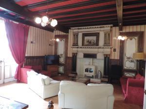 Le Chateau De Montmireil, Ferienhäuser  Canisy - big - 8