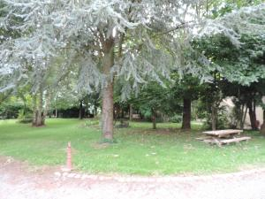 Le Chateau De Montmireil, Dovolenkové domy  Canisy - big - 16