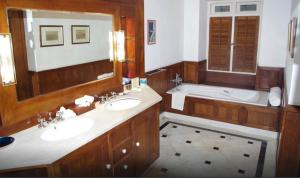 Neemrana's- Le Colonial, Hotely  Cochin - big - 2