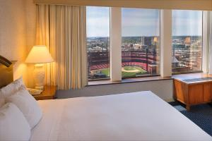 Executive King Room with Stadium View