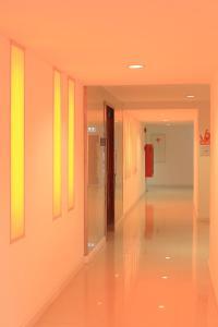 The Original Orange Hotel, Отели  Накхонситхаммарат - big - 52