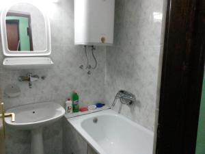 Apartment Lazara, Ferienwohnungen  Sutomore - big - 3