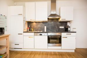 New central apartment with terrace and garage, Апартаменты  Вена - big - 7