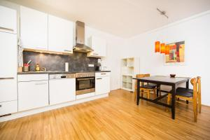 New central apartment with terrace and garage, Апартаменты  Вена - big - 14