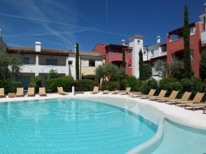 Adriatica Immobiliare - Borgo Paradiso - AbcAlberghi.com