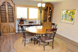 Three-Bedroom Home in Corinthian Hills, Prázdninové domy  Dillon - big - 9