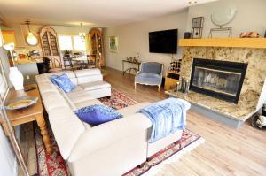 Three-Bedroom Home in Corinthian Hills, Prázdninové domy  Dillon - big - 16