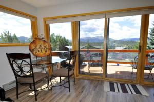 Three-Bedroom Home in Corinthian Hills, Prázdninové domy  Dillon - big - 17