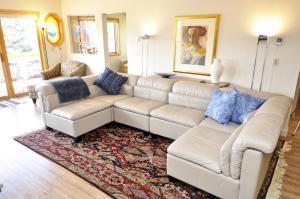 Three-Bedroom Home in Corinthian Hills, Prázdninové domy  Dillon - big - 18